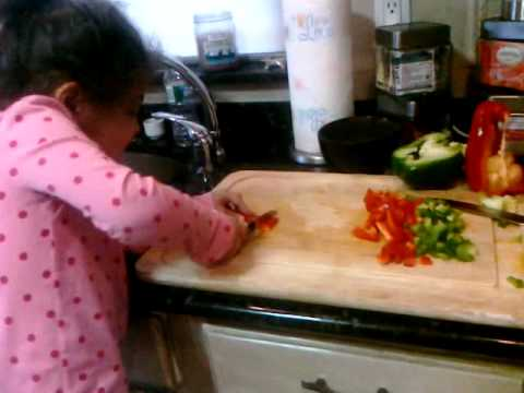 Bella Cutting Peppers for Chili