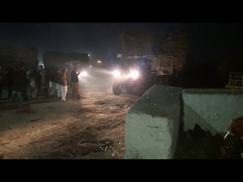 [Night View] FIAT 640 Pulling Sugarcane Trolley in Sugar Mill | Powerful Tractors
