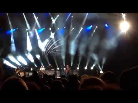 Em dia de despedida, Paul McCartney leva fãs à loucura no Candlestick Park