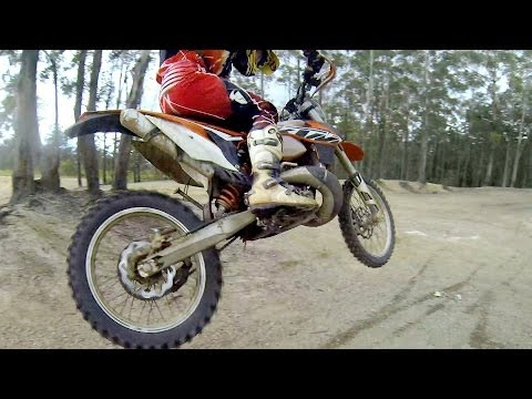 HOW TO JUMP A DIRT BIKE (MINIMUM & MAXIMUM AIR): Cross Training Enduro Skills