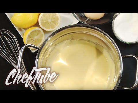 Preparing hollandaise sauce