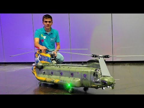 GIANT RC SCALE BOEING VERTOEL CH-47 CHINOOK TANDEM MODEL HELICOPTER FLIGHT DEMO INDOOR