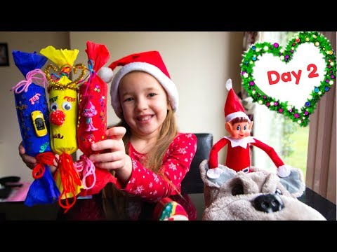 Elf idea 2 I Shoes Train I Easy DIY Christmas Crackers I Vlogmas 2017