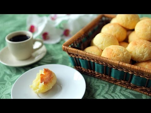 Brazilian Cheese Puffs (Pão de Queijo)