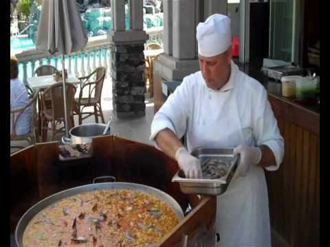 How to Make the Perfect Paella!