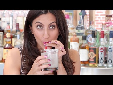 How to Order a Drink (& Impress Your Bartender!): OMG With RJS | Episode #16