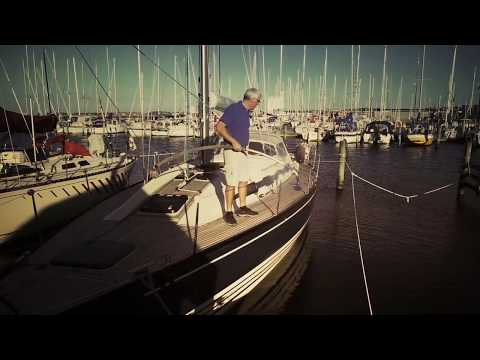 How to in-water clean a boat hull