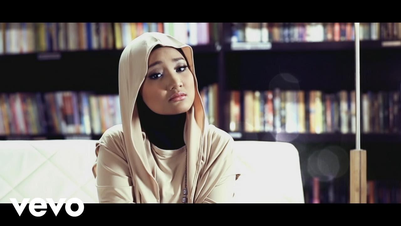 Download Fatin - Aku Memilih Setia (Video Clip) MP3 Gratis