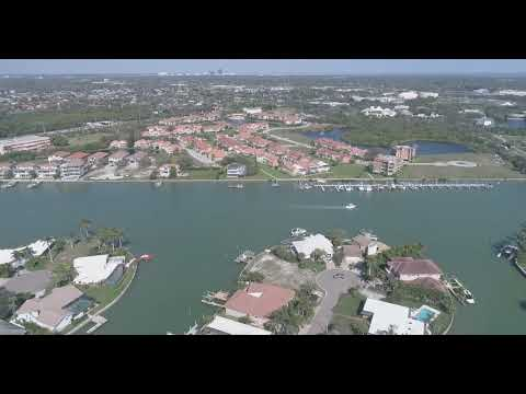4923 59th Ave S - St Pete Beach, FL