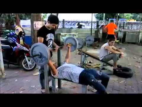 BANGKOK GYM the largest room gym outdoors TRAVEL THAILAND   www indochinatravelservice com 2014