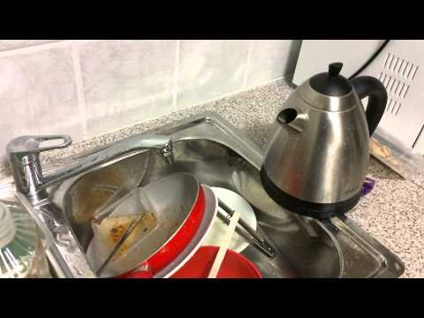 Cleaning the kettle 1part vinegar and 1 part water