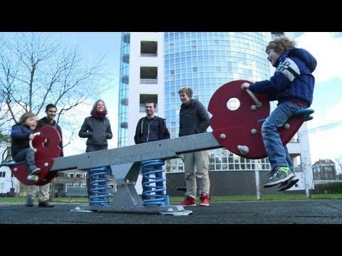 Dutch debates three or more gay parents per child