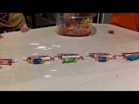 EASY TO MAKE CANDY LEIS!