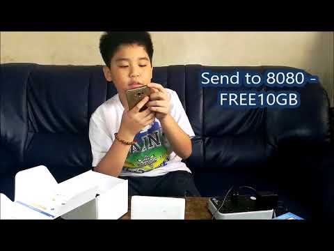 Aaron unboxing and setting up the Globe Prepaid Home Wifi for the 1st time
