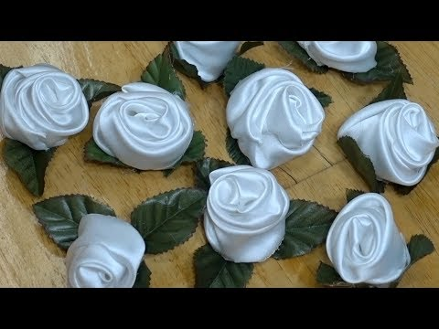 Making nine fabric roses in 30 minutes