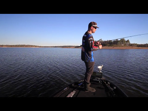 Bass Fishing - How to catch Australian bass on spoons - Dean Silvester
