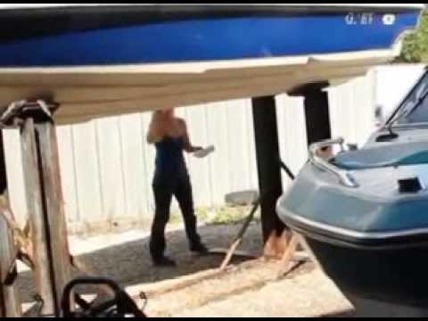 Cleaning Fiberglass Boat Hulls