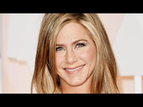 A Day in the Life of Jennifer Aniston on Instagram