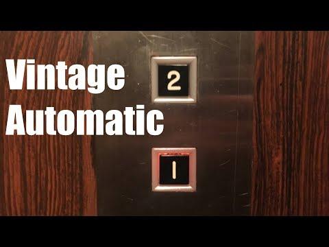 AMAZING Vintage 1965 Automatic Hydraulic Elevator @ McGonigal's Pub - Barrington, IL