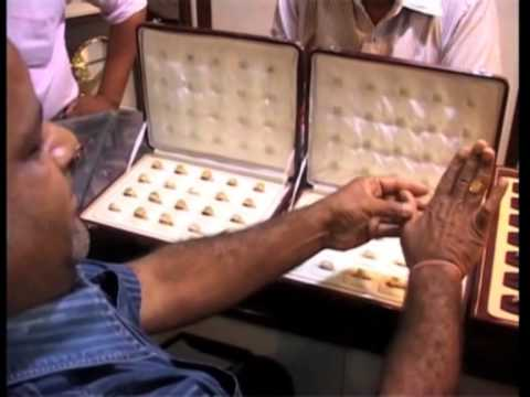 Customers head towards jewellery shops in India as gold nears four-month low