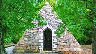 Mysterious Pyramids In Quakertown, Pennsylvania - What