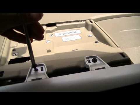 Cómo quitar el radio de un Jeep Patriot
