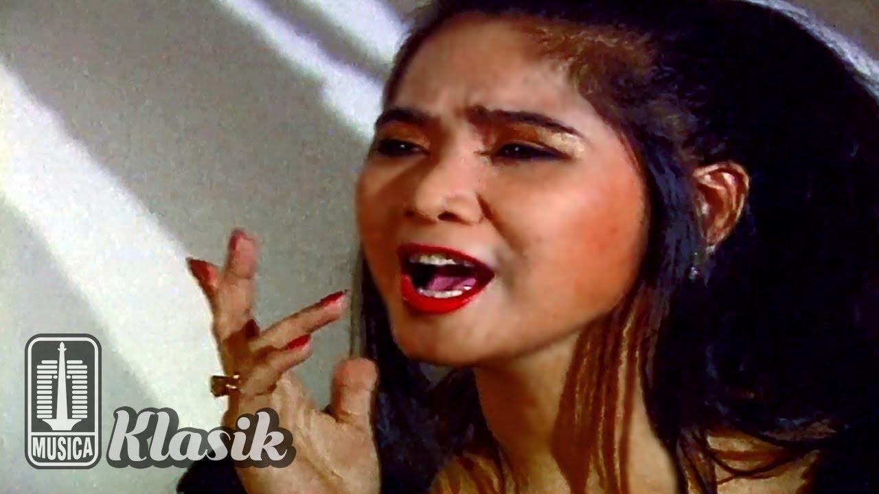 Download Vina Panduwinata - Aku Makin Cinta (Official Music Video) MP3 Gratis