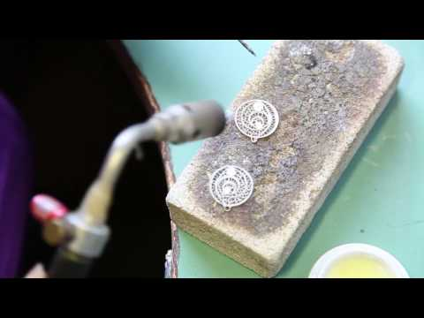 Making filigree earrings