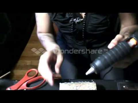D.i.y.goth making drippy candles