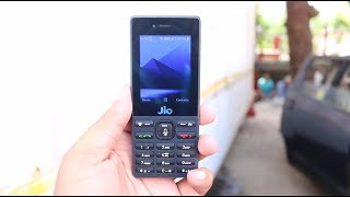 Reliance JioPhone Hands on, Features, Camera and FM