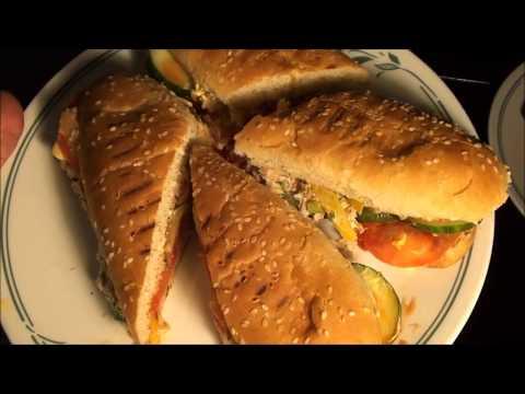 TUNA SANDWICH  RECIPE AT HOME IN URDU/ HOW TO MAKE TUNA SUB SANDWICH