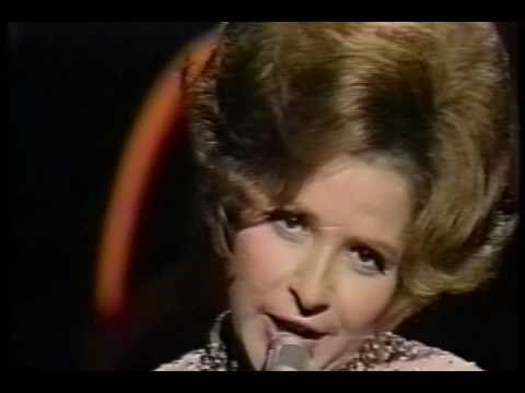 Brenda Lee - Johnny One Time (Live)