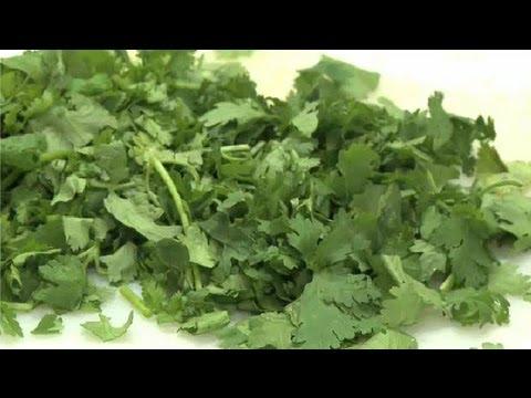 How to Cut Up Cilantro for an Avocado Dip : Interesting Recipes