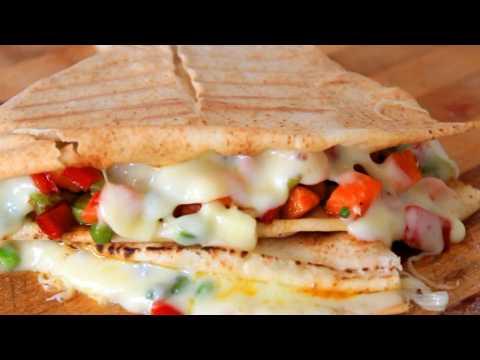 CHEESY VEGETARIAN PITA SANDWICHES