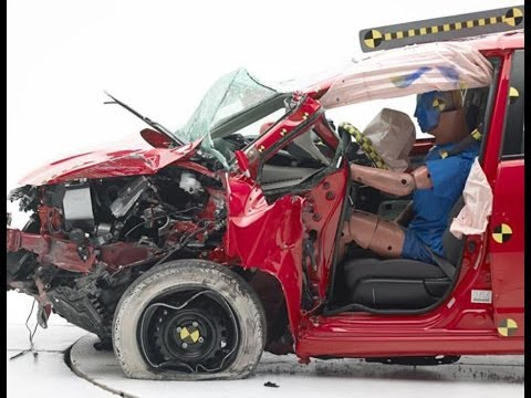 2014 Mitsubishi Mirage CRASH TEST