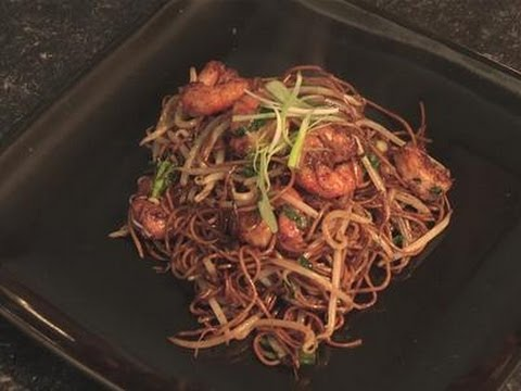 How To Make Your Own Prawn Chow Mein