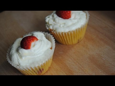 STRAWBERRY & CREAM CUPCAKES - Student Recipe