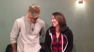Kane Brown talks fav bus activity, most famous in his cell & more in Country In 60 Celebrity Edition