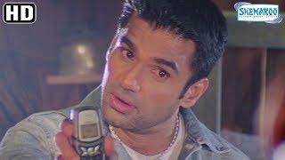 Best of Suniel Shetty scenes from Baaz - Karishma Kapoor - Jackie - Dino Morea - Thriller  Movie