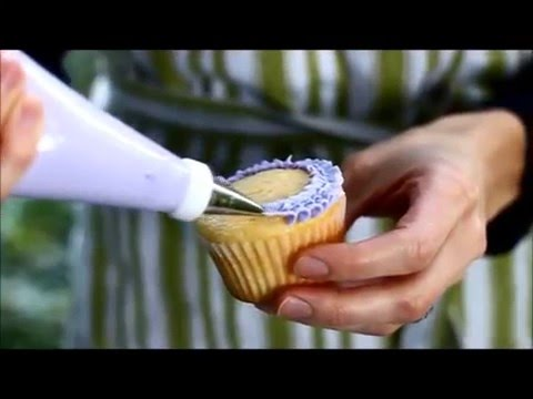 Simple Cupcake Icing Tutorial Small Ruffle Flowers Frosting