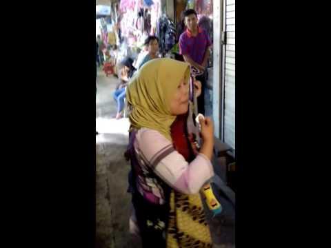 Xxx Mp4 Secawan Madu By Acil Sri Pengamen Di Pasar Baru Banjarmasin 3gp Sex