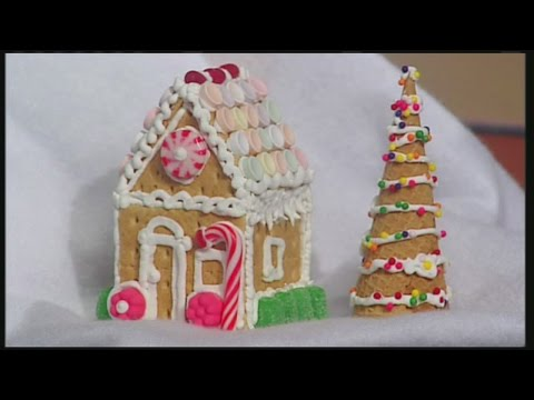 Mini graham cracker gingerbread houses
