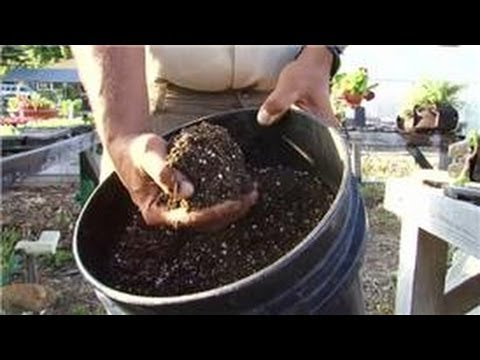 Gardening Tips : Mixing Potting Soil for Gardenias