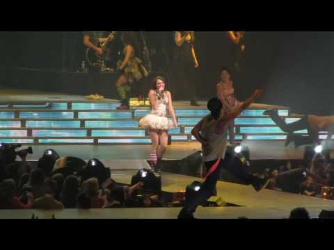 Miley Cyrus - Lets Get Crazy - Columbia SC