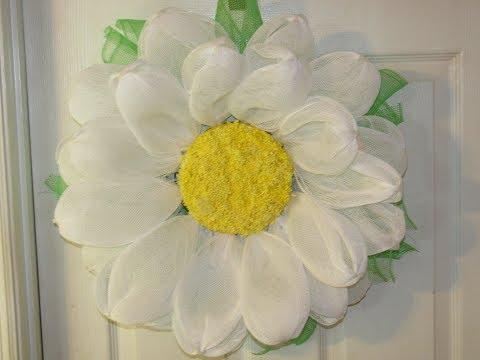 How To Make Carmen's Deco Mesh Daisy Flower Wreath