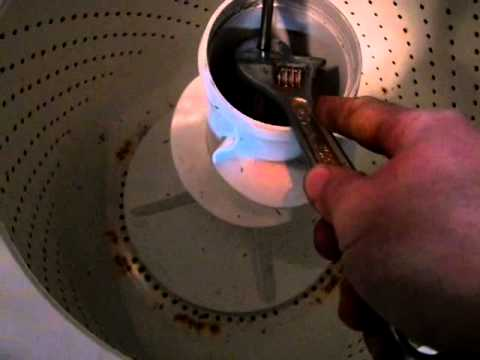 Extracting the rusted agitator screw from my Whirlpool washer