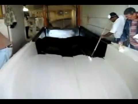 How to make a fiberglass panga boat hull Part One - iboats.com