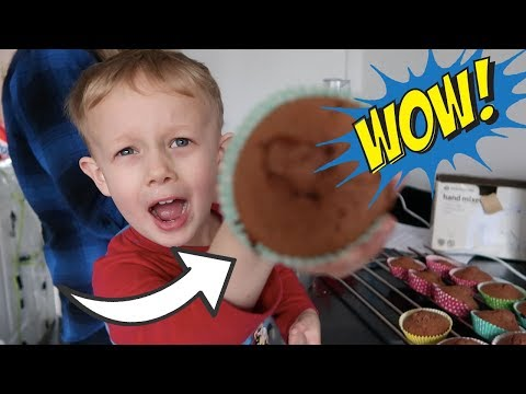 WHAT DID WE MAKE FOR DADDY'S VALENTINES DAY SURPRISE - BAKING WITH KIDS - A CHILDMINDING MUMMY
