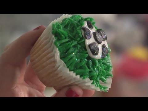 How To Make A Football Cupcake