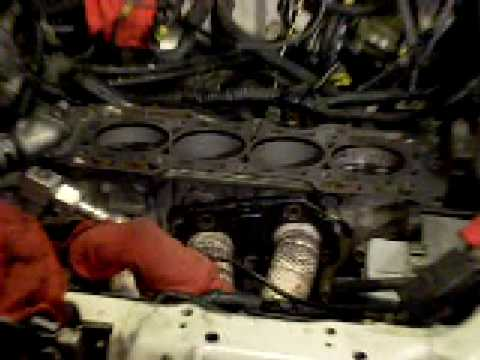H22a cylinder head and cylinder block cranking pistons